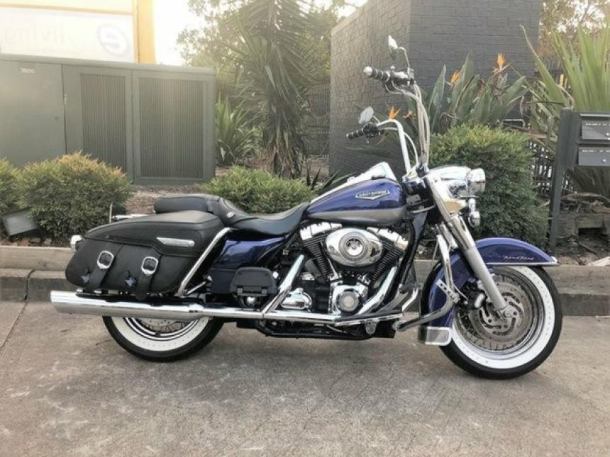 BIKE OF THE WEEK - 2007 HARLEY-DAVIDSON FLHRC ROAD KING CLASSIC